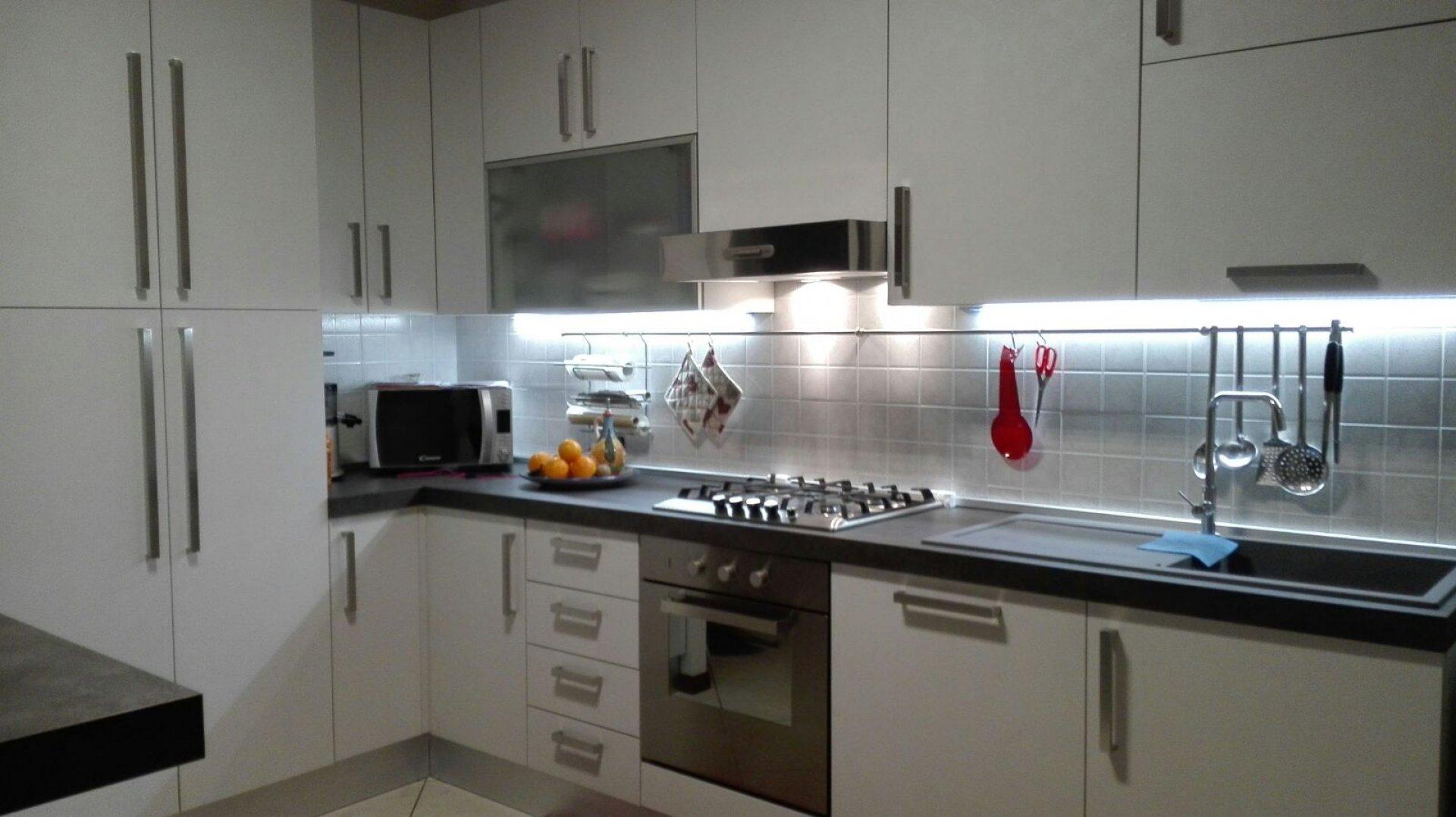 Rinnovare cucina elegant ecco come rinnovare e dare un - Rinnovare le ante della cucina ...